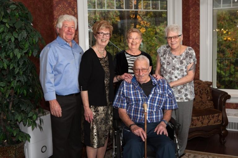 Family Portrait, Large Family Portrait, Fall, Fall Colours, Family