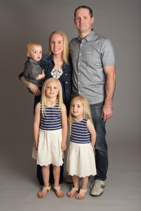 Family, Kids, Children, Portrait, Family Portrait, Mom, Dad, Daughter, Daughters, Sisters, Brother, Siblings